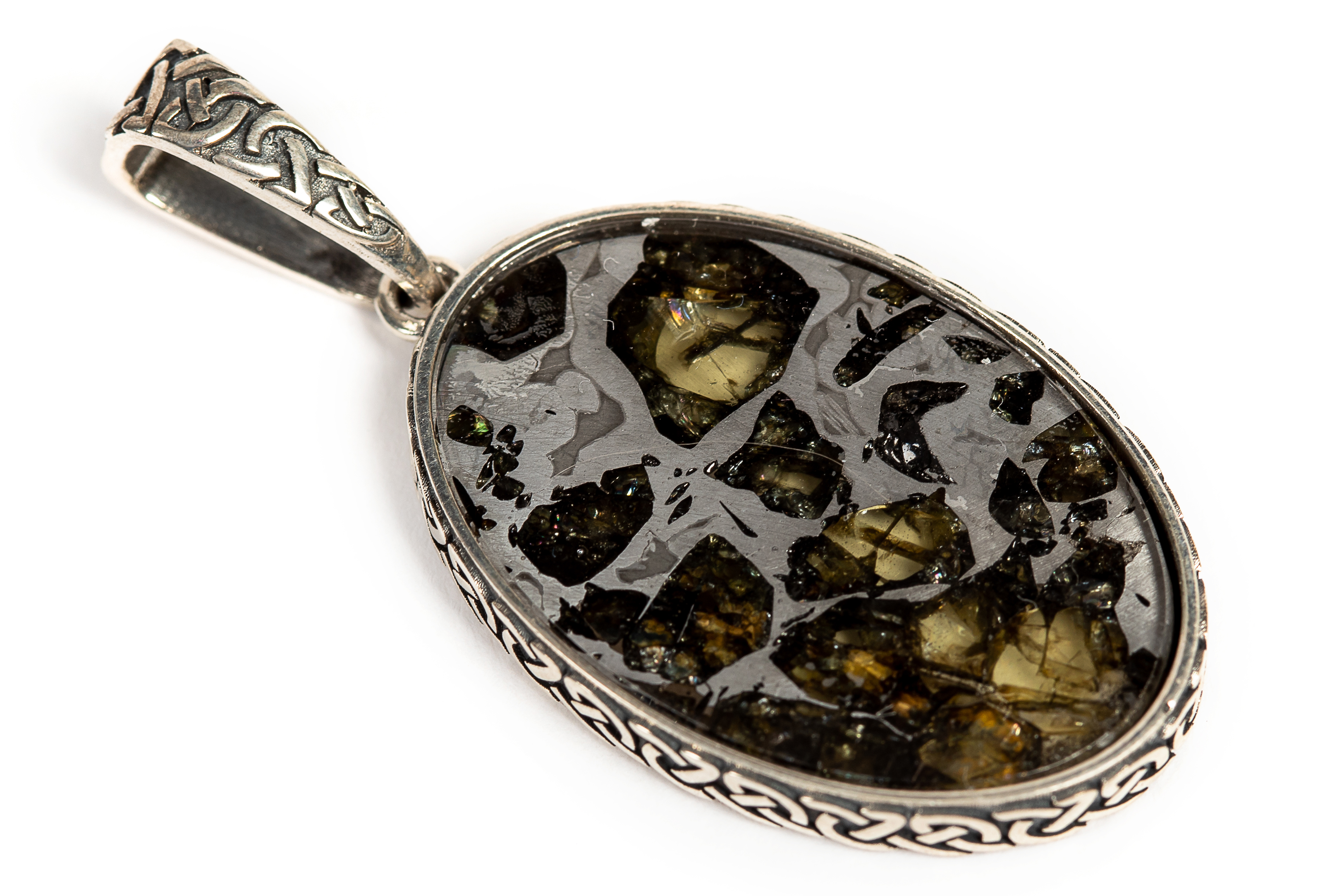 Серебряная подвеска из метеорита Сеймчан
