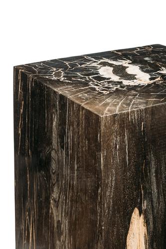 Декоративный куб из окаменелого дерева