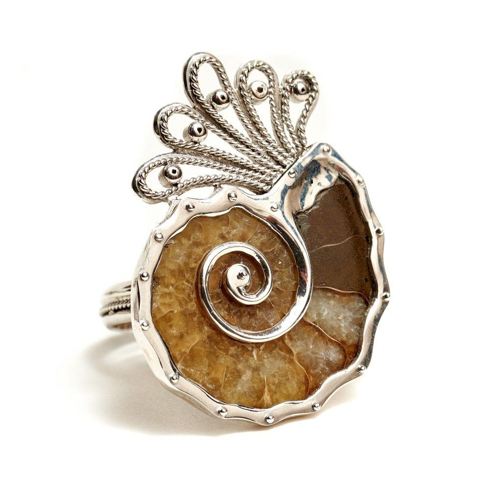 Кольцо из аммонита в серебре