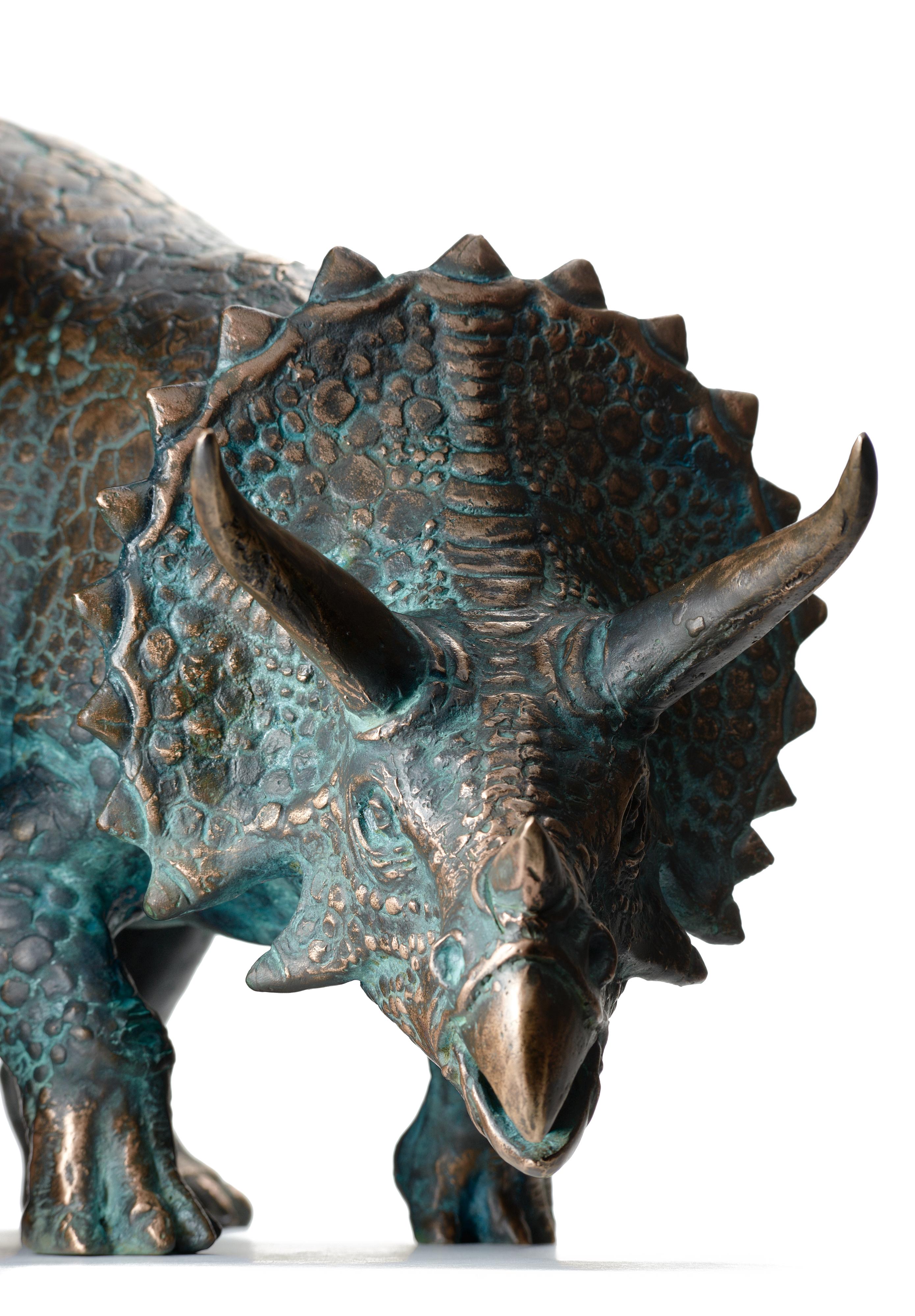 Трицератопс из бронзы